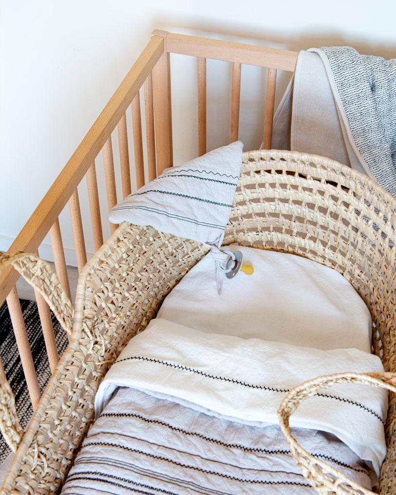 ledikant deken home by door baby blanket wiegdekentje